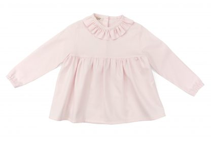 Vista frontal blusa rosa lisa. Modelo Rose.