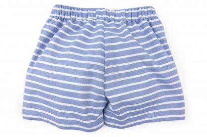 Vista trasera pantalón corto raya horizontal. Modelo Nautic.