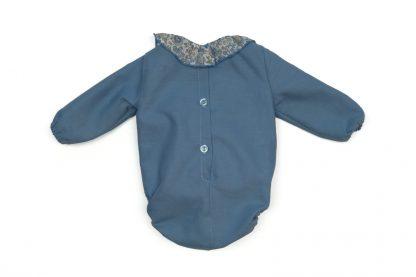 Imagen espalda ranita bebé azul con cuello Liberty