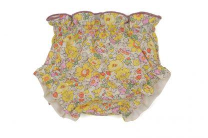 vista frontal culotte liberty estampado flores rosa, amarillo y menta